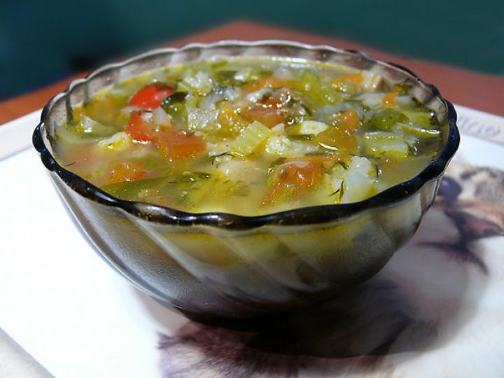 Овощной суп с чечевицей и адыгейским сыром