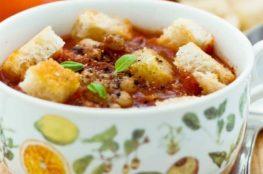 Грибной суп с фасолью и гренками