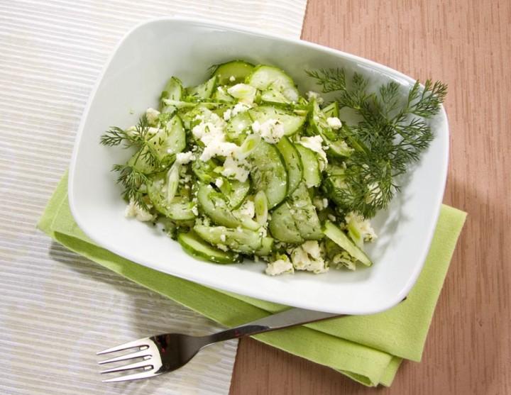 Салат из огурцов c адыгейским сыром