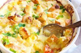 Сливочная картофельная запеканка с курицей и кукурузой