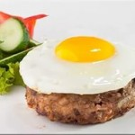 Beefsteak with egg