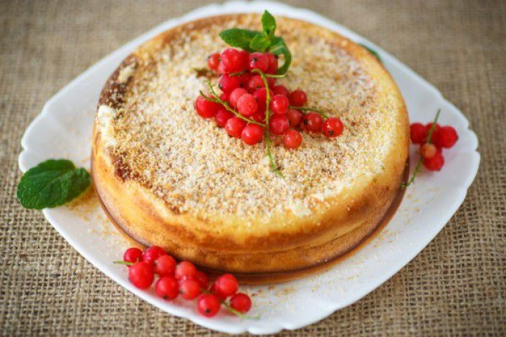 "Cottage cheese casserole with cherry ""Flambe"""