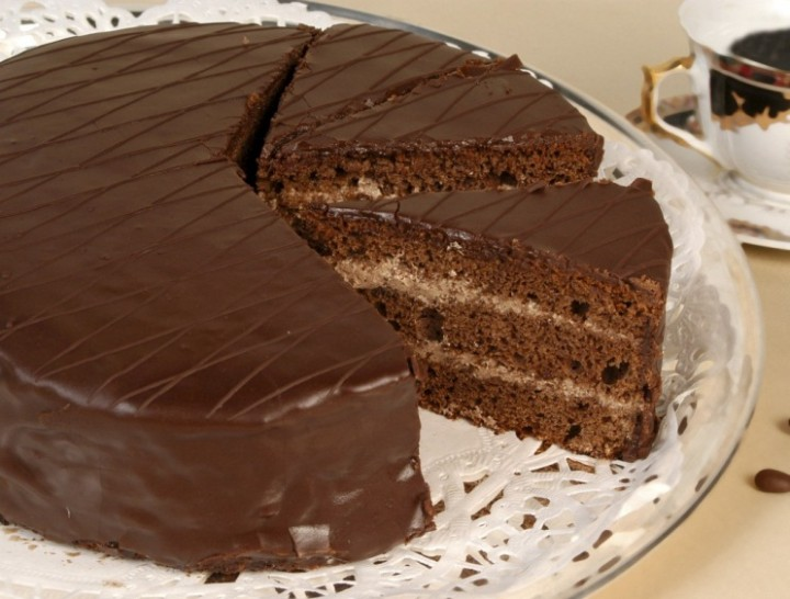 Cake «Prune in chocolate»